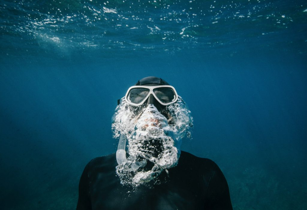Best Scuba Diving Gears to Buy for Beginners