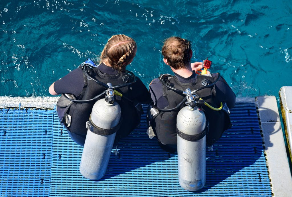Precautions You Should Watch Out on Scuba Diving Holiday for Beginners